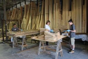 service de teinture de bois