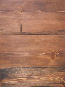 plancher de pin rouge cherry spice
